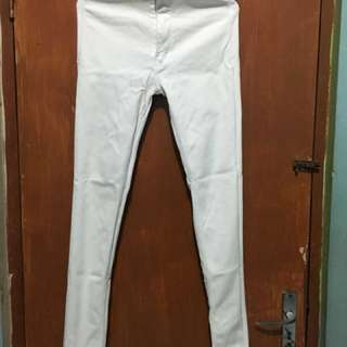 Celana highwaist putih