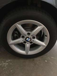 "BMW 16"" stock rim with runflat tyre"