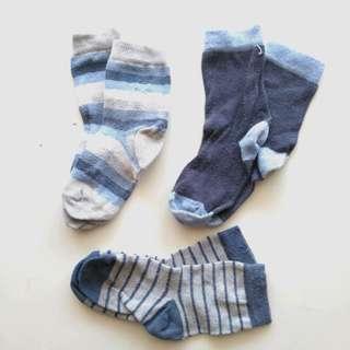 Kaos kaki bayi