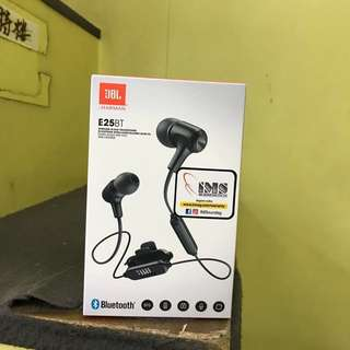 JBL wireless earphones with microphone E25BT