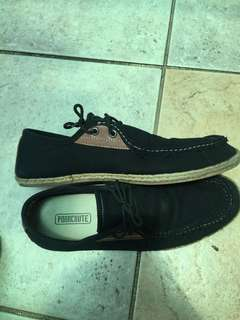 Casual shoes semi slip on parchute