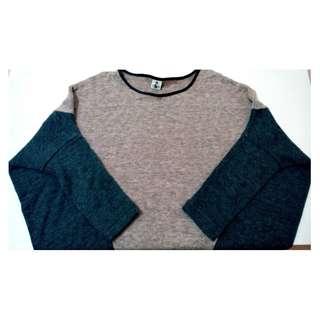 🚚 法式隨性* 簡約拼接雙色寬鬆針織蝙蝠七分袖毛衣 (L號 8成新)