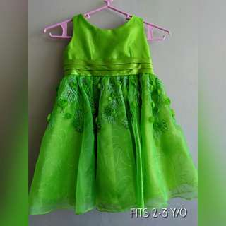 Formal dress. Gown - fits 2 to 3 y/o