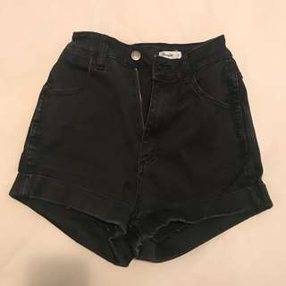 BLACK VINTAGE DENIM WRANGLER SHORTS