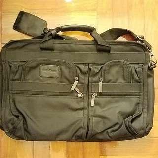 House Clearance: Expandable briefcase / laptop bag
