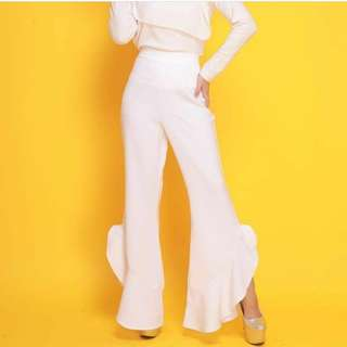 BN white ruffle pants