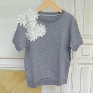 grey flower top