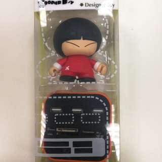 Xoopar Boy Podium USB Hub with Card Reader