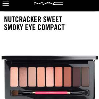 Mac Nutcracker sweet smoky eye compact