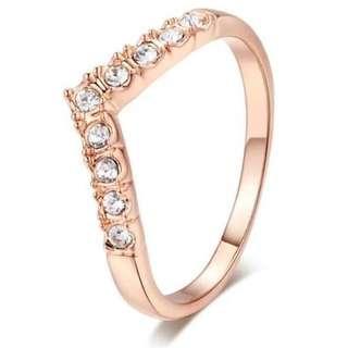 V shaped ring