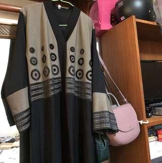 Anglia black jubah size 54
