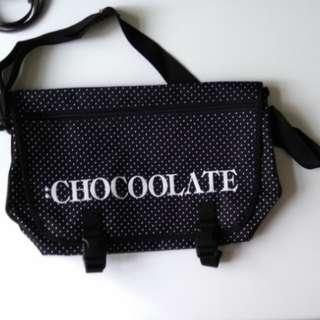 全新Chocoolate 斜孭袋(男女合用)