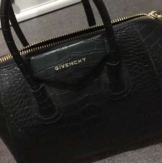 Givenchy Bag Class A but in a very good condition