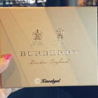 🔴FREE➡️ FOLLOWERS ONLY!**Those Follow but unfollow, pls detour. Thks**🔴🎁AUTHENTIC BRAND NEW🎁 BURBERRY BRANDED BOX (15cm L x 12cm B x 4.5cm Ht -- Put wallet/ key pouch holder/ accessory) (Bought item in Singapore)💋No Pet No Smoker Clean Hse💋
