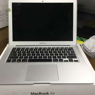 MAC BOOK AIR 13. CORE I7 8GB 256SSD