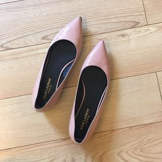 Saint Laurent: 37.5 Pointed Flats (90% New)