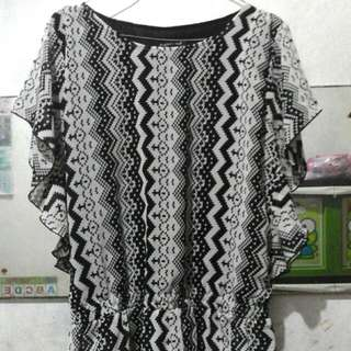 Preloved blouse motif