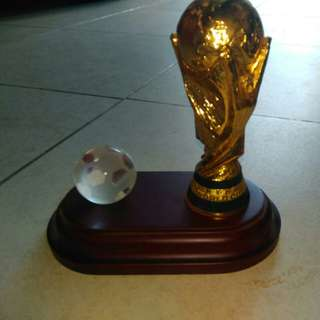 Miniatur Replika piala FIFA 2006
