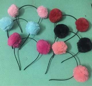 Pompoms headband