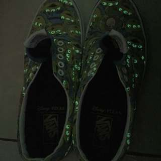 Vans era toy story alien (Glow in the Dark) Rare item.