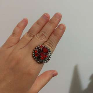 Costume jewellery ~ Ring wif 2 studs