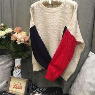 【特價】  88dress全新女裝  韓款鬆身厚身紅藍兩色袖拼色毛衣超加加加大碼 two color sleeve blocking sweater  Size XXXL  #651226#  BUST上圍 142CM/  SLEEVE 袖長 58CM/  WAIST 腰圍 130CM/  LENGTH 長度 60CM  Original Price原價: HKD126