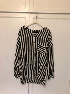 Zara stripe and border pattern featuring loose cut shirt | 橫直間 v領 loose cut 恤衫