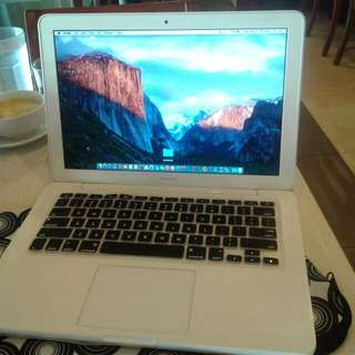 Macbook white unibody 2010