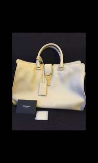 Saint Lauren Classic Cabas Y in beige leather