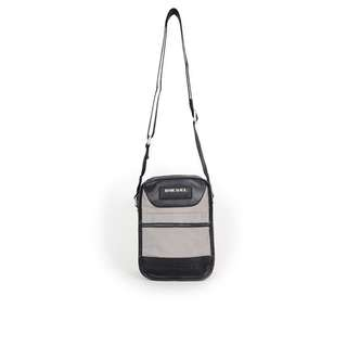 Diesel Men Bag(100% Original / REAL) 現貨goods in stock X01308-PS711-T8066  灰色 Grey