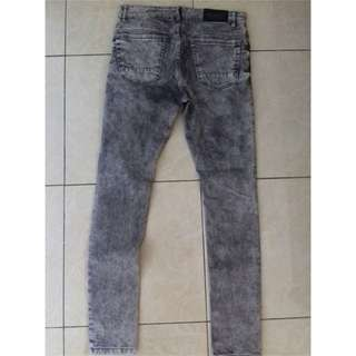 Celana Pull and Bear super skinny