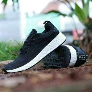 Adidas NMD R2 Size 40-44. *NO COD