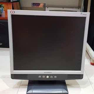 "Hyundai 17"" Monitor"