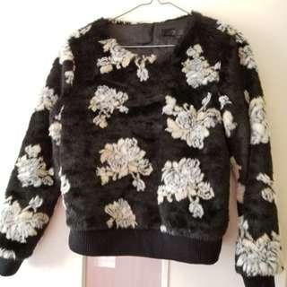 Bread n butter fur sweater black with flowers 毛毛黑白花衫