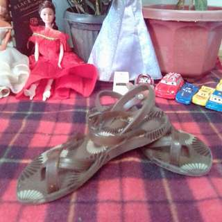 Pre love sandal