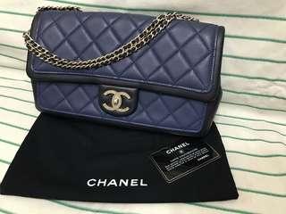 💯 % real Chanel handbag