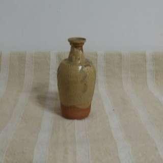 晋代    青瓷小瓶    高13cm