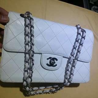Chanel 白色牛皮双銀鏈袋