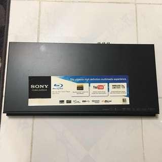 SONY DVD機 BD 藍光播放器 (BDP-S370) **好少用 表面新淨 但唔著機 壞機**  *保養已過* 有興趣可聯絡 (只限南昌站交收)
