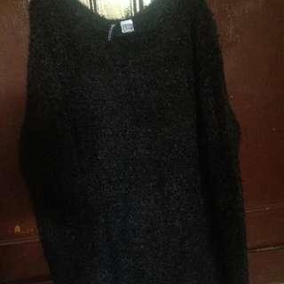 Preloved furry sweater h&m