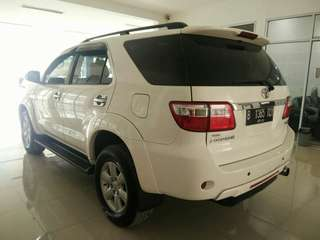 Toyota Fortuner G Dsl AT 2011