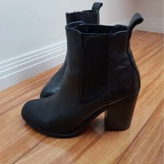 Windsor Smith boots size 6 Black
