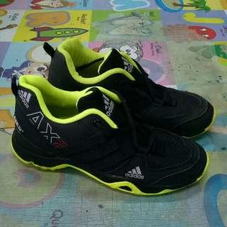 Adidas AX2 size 42 - NO BOX - NO COD