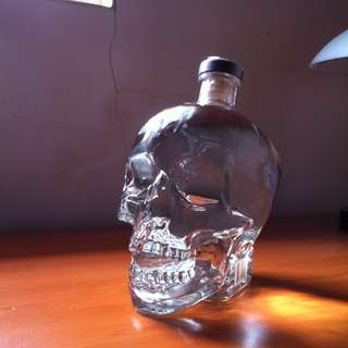 Crystal Head Vodka 1,75 Liter (Minuman Beralkohol)
