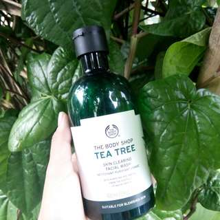 (share in jar) The body shop tea tree skin clearing facial wash
