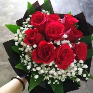 Fresh roses bouquet
