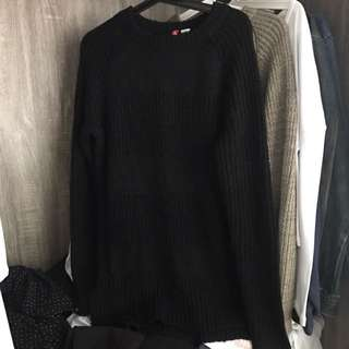 H&M black knitted sweater pullover