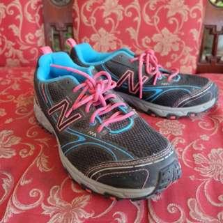 New balance sepatu lari