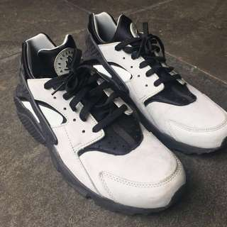 Nike Huarache Size 13
