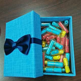 Box with 45 pcs Message Capsules